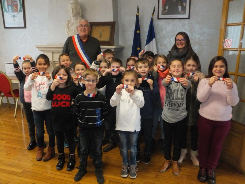 Découverte de la mairie par les élèves de la classe des CE1/CE2 de Mme HENRY