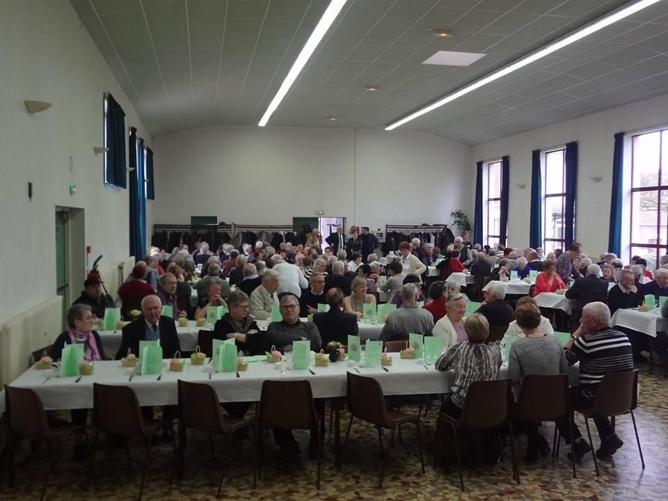 repas des retraités Charmois de 65 ans et plus...