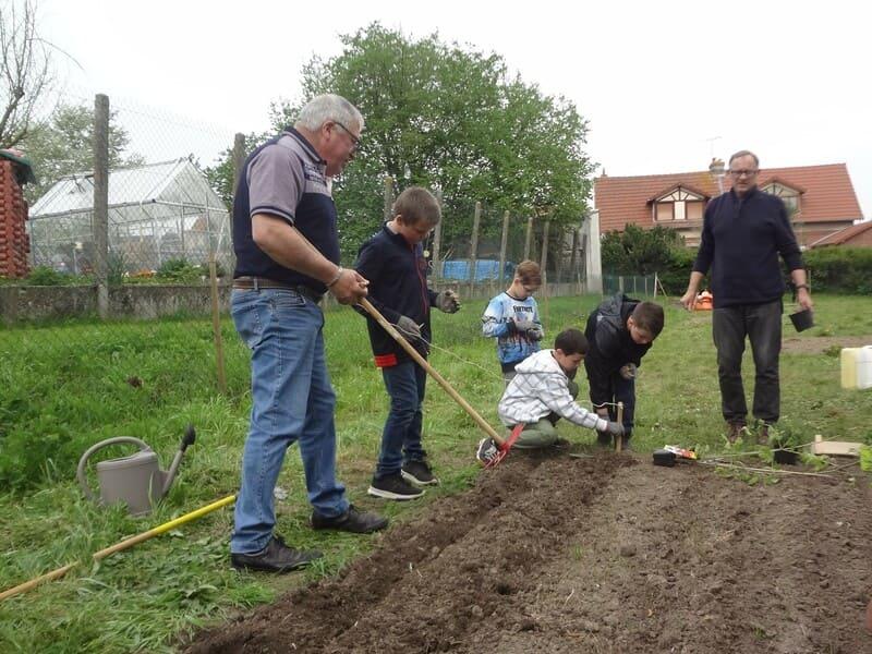potager pédagogique du 23 avril 2019-Mairie Charmes Aisne_07